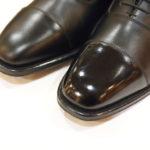 靴のトゥを簡単に光らせたい人におすすめの靴クリーム